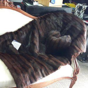 Genuine Muskrat Sofa Throw w/accent pillows